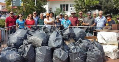 Tatilcilerden Geriye 6 Traktör Çöp Kaldı