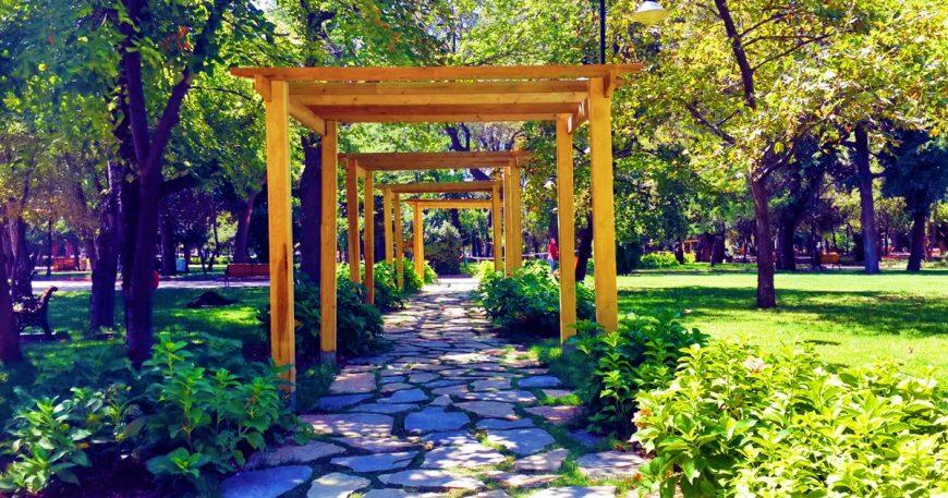 Halk bahçesi modern bir görünüme kavuştu