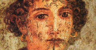 Sappho'nun kadınları tanrısına koşuyor