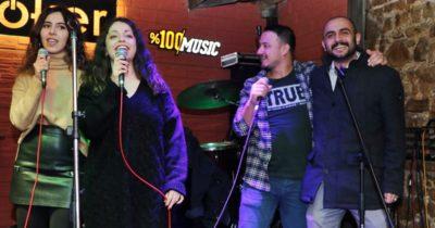 En anlamı karaoke gecesi