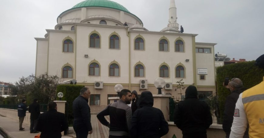 Dumlupınar Cami'nde intihar girişimi!