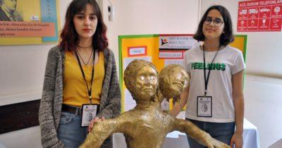 Öğrenciler bilimsel projelerini sergiledi