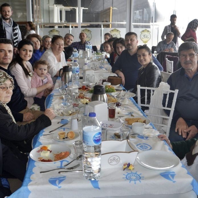 Yaylacık köylüleri kahvaltıda buluştu