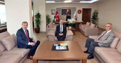 Gökhan'dan Murat'a nezaket ziyareti