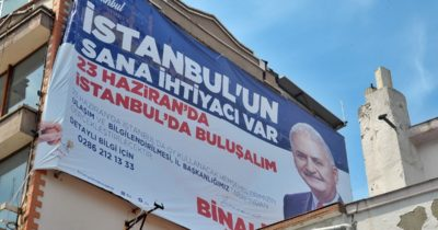Çanakkale'de Binali Yıldırım afişi