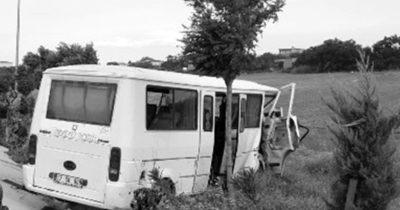 İşçileri taşıyan otobüs kaza yaptı: 17 yaralı