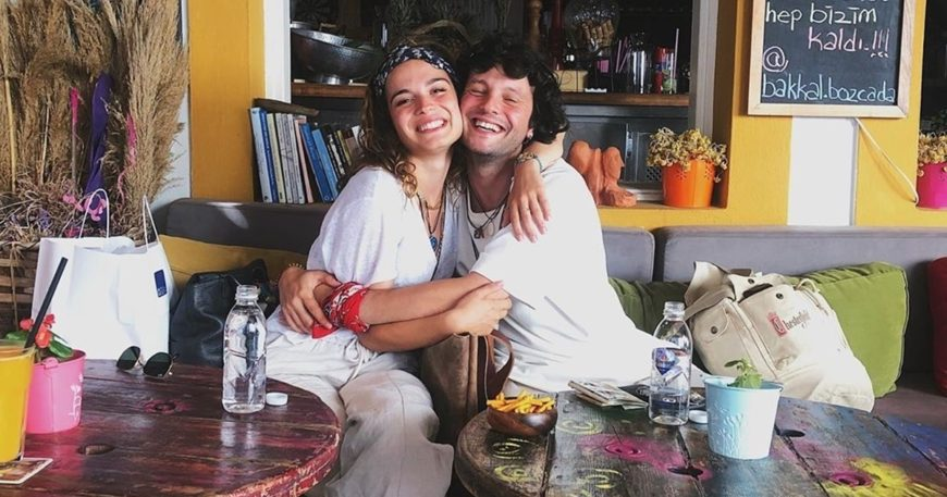 Sevgilisiyle Bozcaada'da tatilde