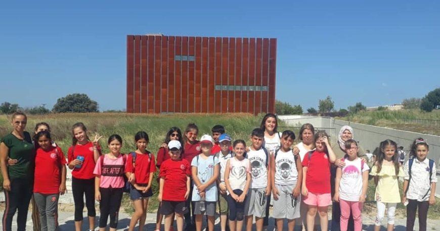 Genç sporcular Troya Müzesi'ni gezdi
