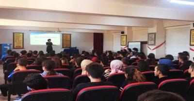 200 öğrenciye meslek seçiminin önemi anlatıldı