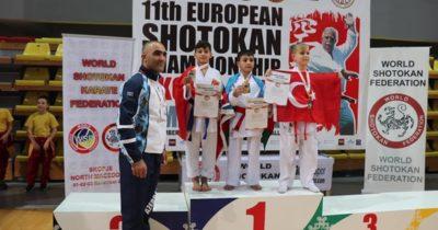 Karateciler ödüle doymuyor