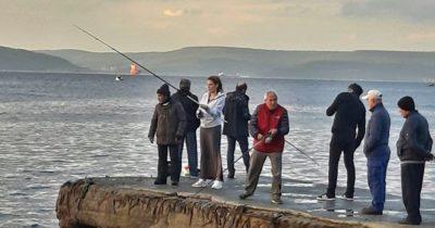 Ebru Cündübeyoğlu balık avında