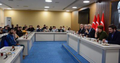 Öğrenci topluluklarının başkanlarıyla buluştu