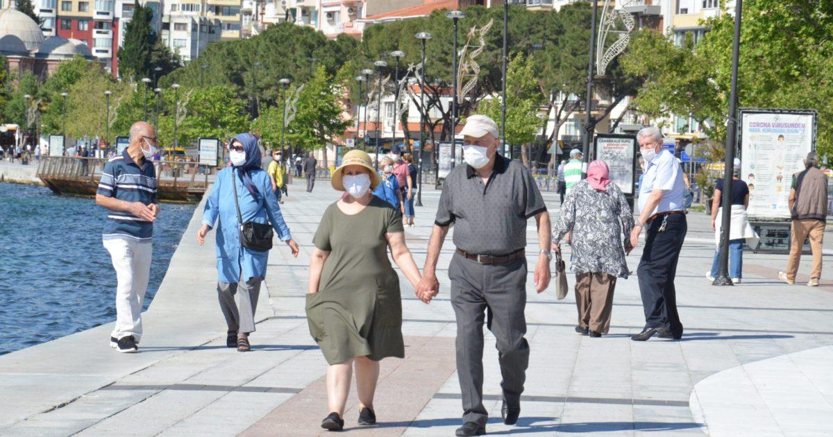 65 yaş ve üzeri vatandaşların kordon keyfi (Video Haber)