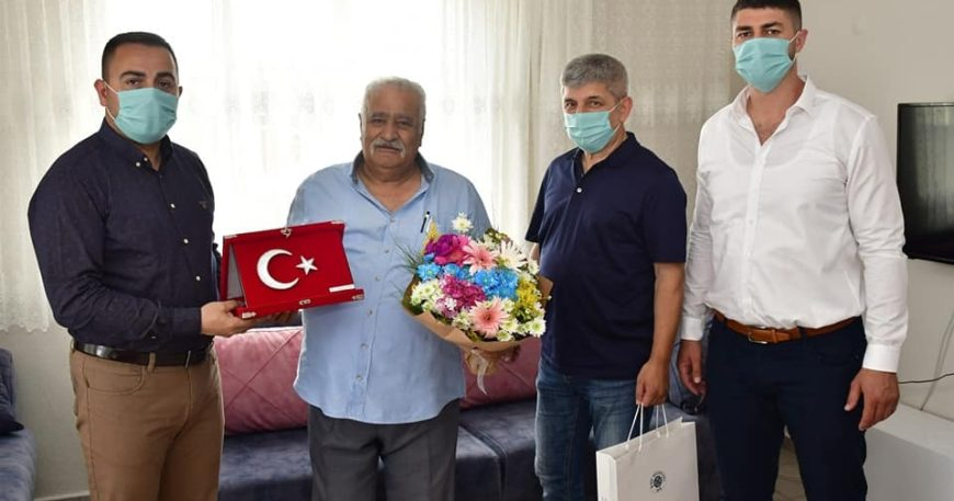 Erdoğan'dan şehit babalarına ziyaret