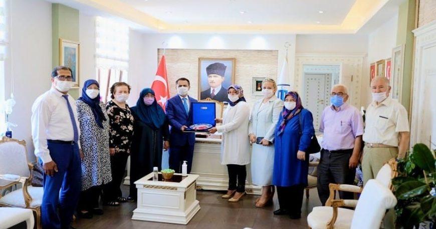 Şehit ailelerinden Vali Aktaş'a ziyaret