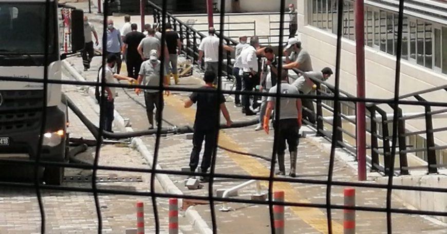 ÇOMÜ Hastanesi'ni su bastı