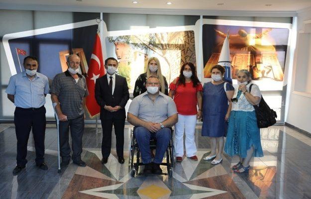 vali-ilhami-aktas-turkiye-sakatlar-dernegi-canakkale-subesi-yonetimini-kabul-etti