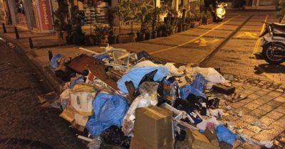 Bu sokaktaki çöp sorunu bitmiyor!