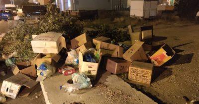 """""""Etrafı kirletmeden çöp konteynerlerine   bırakmak bir kültür göstergesidir"""""""