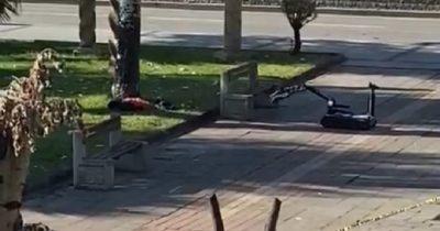 Şüpheli çanta fünyeyle patlatıldı