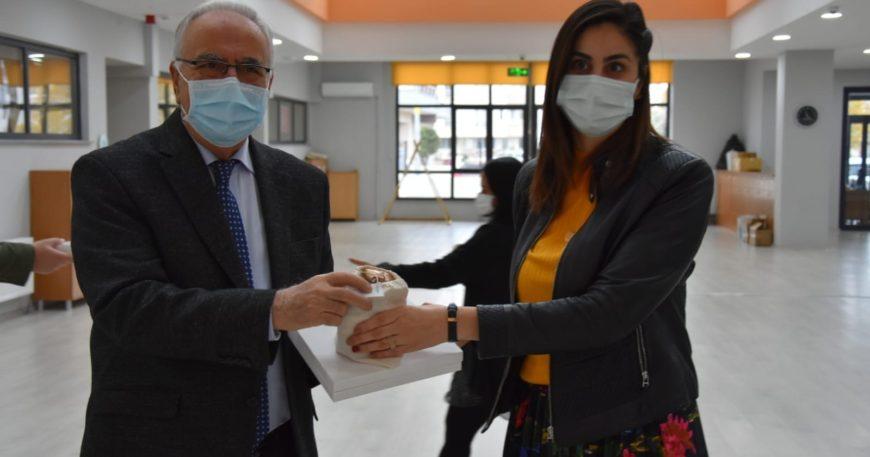 Öğretmenlere, SMA hastası  Ahmet Alp'in çikolataları ile teşekkür