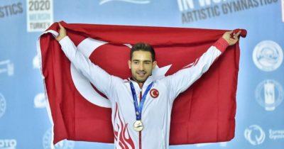 Milli sporcuları tebrik etti