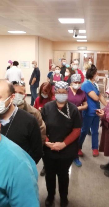 Sağlık çalışanlarına koronavirüs aşısının ilk dozu vuruldu (videolu haber)