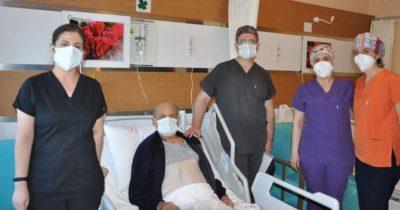 Yüksek riskli ameliyatın ardından taburcu edildi