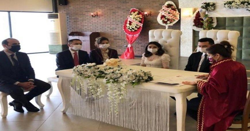 Vali Aktaş, Bahar Kaya'nın nikah şahidi oldu