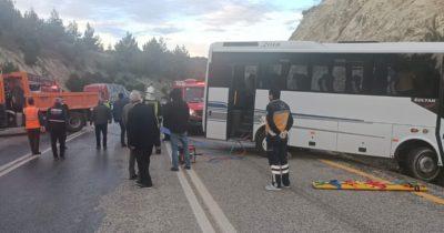 İşçi minibüsü istinat duvarına çarptı: 5 yaraladı