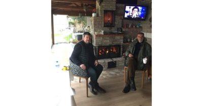 Eski Eceabat Belediye Başkanı Adem Ejder kahve keyfi yaptı