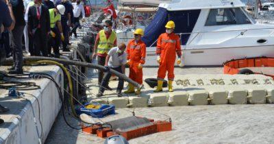 Çanakkale Boğazı'ndaki arıtma çalışmaları sürüyor: 3 günde 118 metreküp müsilaj temizlendi! (videolu haber)