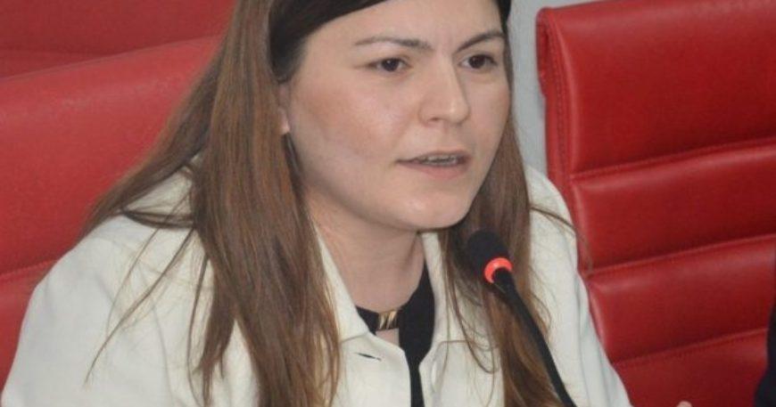 """""""Fakülteden mezun olamazdım ama AKP'de bakan olurdum"""""""