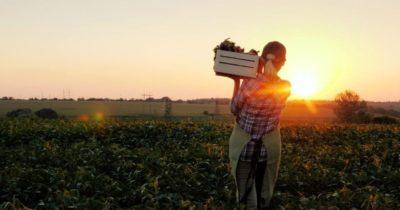 Kadın çiftçilerin günü kutlandı