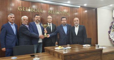 Güneyli ve Bayırköy'e kupa