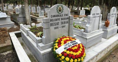 Mezarı başında anıldı