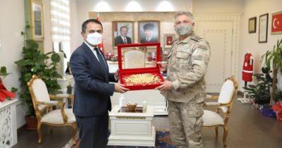 Tuğgeneral Çolak'tan  Vali Aktaş'a ziyaret